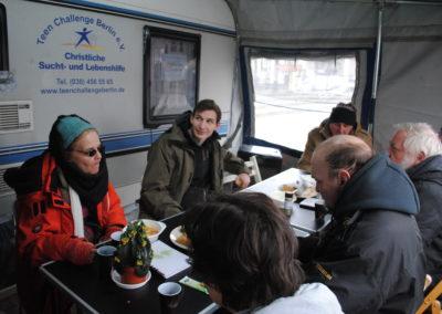 Vor unserem Wohnwagen am Franz Neumann Platz